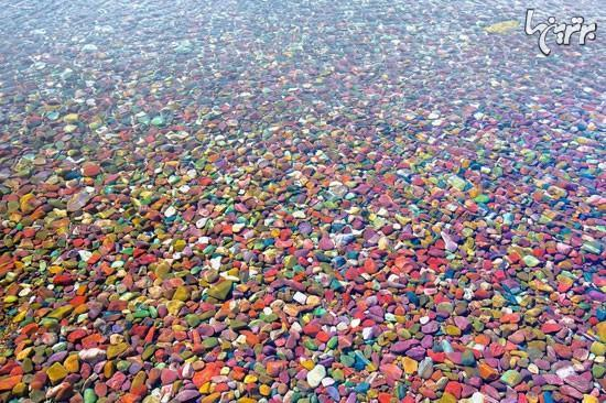 رنگین کمانی زیبا در کف دریاچه مک دونالد