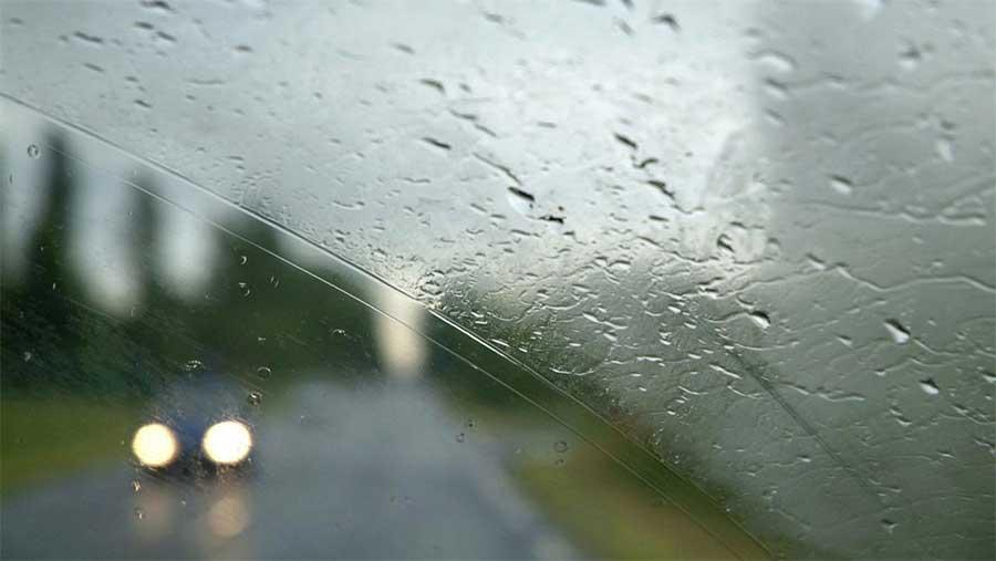 شیشه عقب خودرو دیگر در روز های سرد بخار نمی گیرد