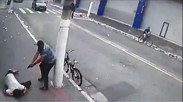 قتل یک زن در روز روشن در خیابان